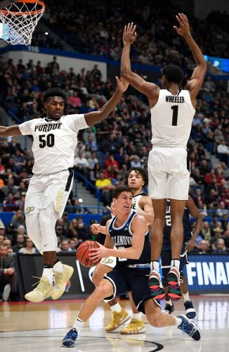 Edwards leads Purdue to rout of reigning champ Villanova