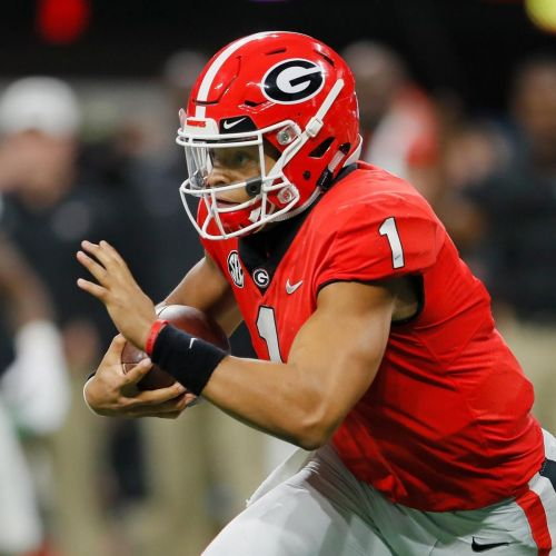QB Justin Fields Reportedly Finalizing Transfer From