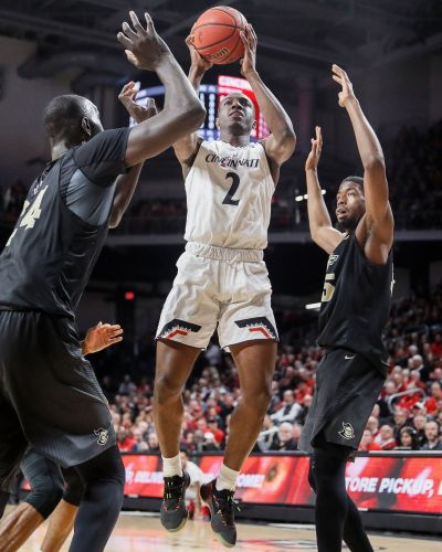 Jenifer's late shots rally Cincinnati over UCF 60-55