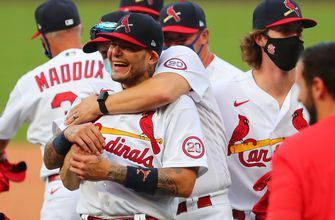 Cardinals clinch playoff spot with 5-2 win over Brewers