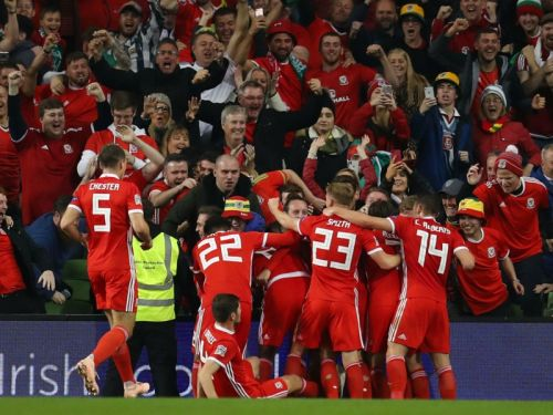 Republic of Ireland 0 Wales 1: Wilson stunner moves Giggs' side top