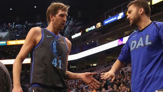 Dirk Nowitzki sets NBA record in season debut