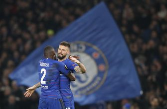 FIFA bans Chelsea from signing players in 2 transfer windows