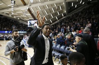 No. 12 Villanova beats St. John's 71-60 on night for Lowry