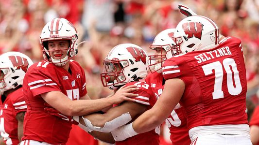 College football odds, picks, predictions for Week 5: Proven computer model loving Ohio State, Northwestern