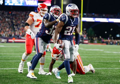 Tom Brady, New England Patriots hand Kansas City Chiefs first loss in instant classic