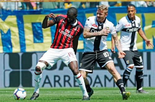 AC Milan draws at Parma to loosen hold on CL spot