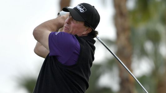 Desert Classic: Phil Mickelson continues to lead after 4-under 68 on Day 2