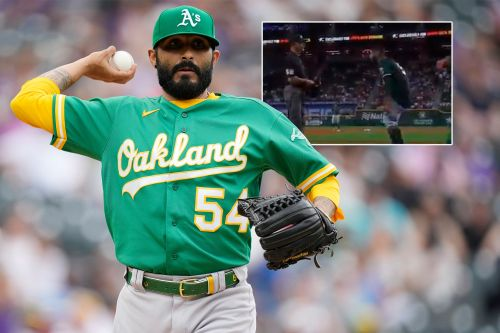 Sergio Romo pulls down pants as MLB pitchers freak out over screenings