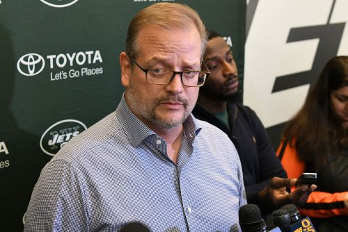 Mike Maccagnan wants it to be known Jets' pick is still for sale
