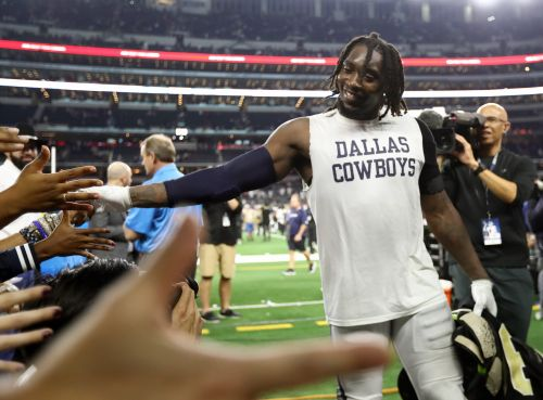 Dallas Cowboys' DeMarcus Lawrence: Pregnant wife said 'no way' could I opt out, miss NFL season