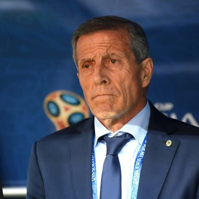 Tabarez signs four-year contract renewal with Uruguay