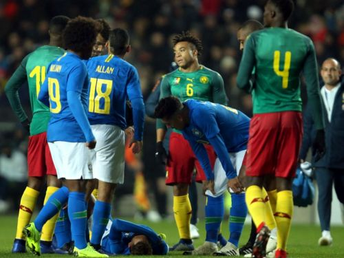 Neymar forced off in Brazil friendly with thigh injury