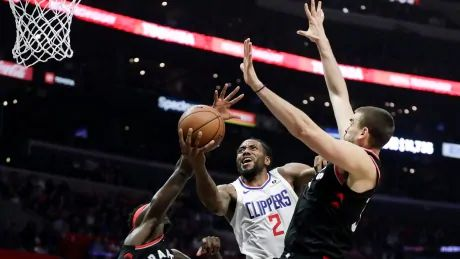 Kawhi Leonard leads Clippers past Raptors in 1st game against former team