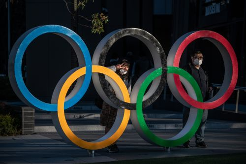 Tokyo Olympics allowing some local fans - but cheering is banned