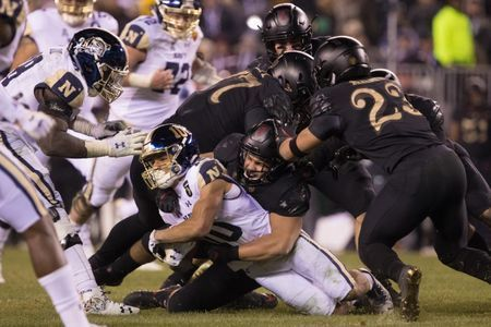 Army tops Navy for eighth straight win