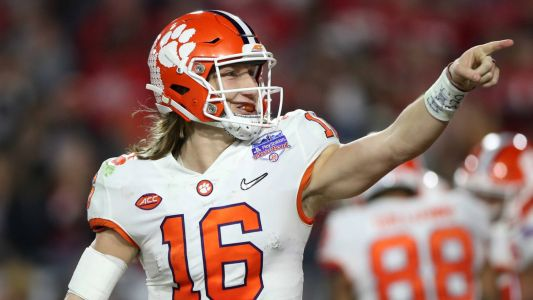 NCAA Coaches Poll: Clemson edges Ohio State for No. 1 in college football's preseason top 25 rankings