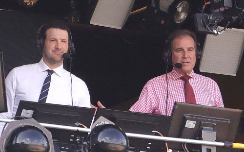 NFL analyst Tony Romo agrees to $17M per year to stay at CBS