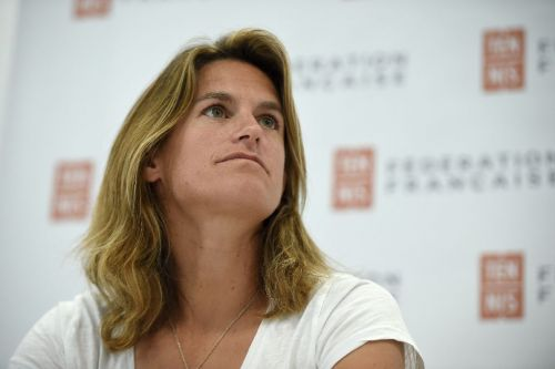 Mauresmo withdraws as Davis Cup captain to coach Pouille