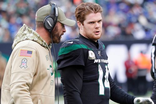 Sam Darnold sacks 'Fire Adam Gase' talk in Jets declaration