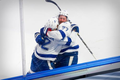 Tampa Bay Lightning beat Dallas Stars after overtime penalty to Stars captain Jamie Benn