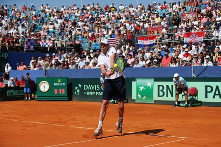 Querrey fightback keeps U.S. Davis Cup hopes alive