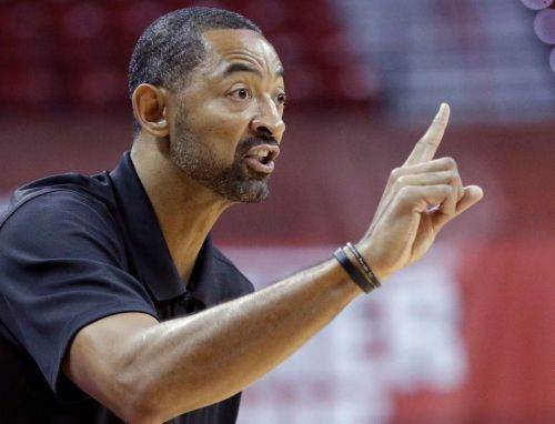 Should Juwan Howard be Michigan's next basketball coach?
