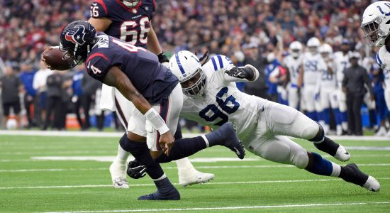 Colts snap Texans' 9-game winning streak with 24-21 win