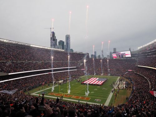 Chicago mayor admonishes Bears over suburban racecourse bid, reminds team of Soldier Field lease