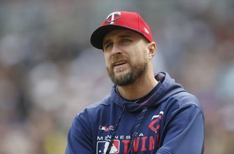 Shildt wins NL Manager of the Year days after mom's death