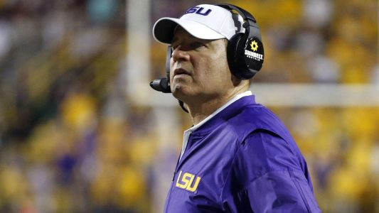 Les Miles reportedly headed back to Big 12 - to coach Kansas