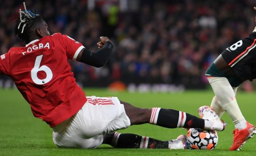 Former Premier League referee questions two big decisions during Man United's defeat to Liverpool