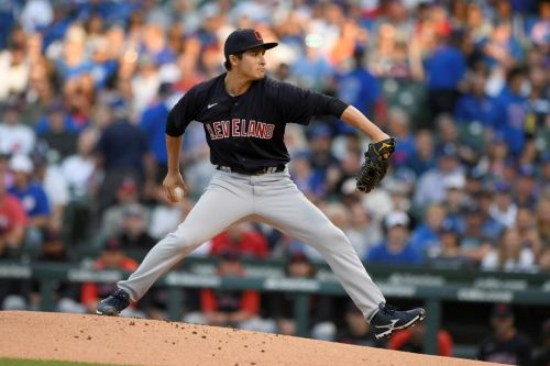 Hendricks dominates, Bryant homers as Cubs beat Indians 7-1