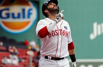 Red Sox blow out White Sox, 11-4, on Patriot's Day