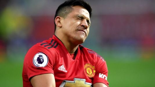 """""""It is a joke"""" - Alexis Sanchez ripped to shreds by former Manchester United star"""