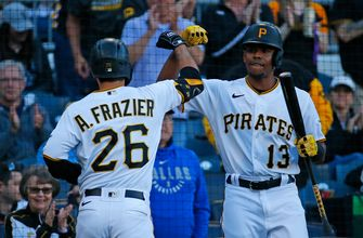 Pirates put up four runs in the seventh inning to take down White Sox, 6-3