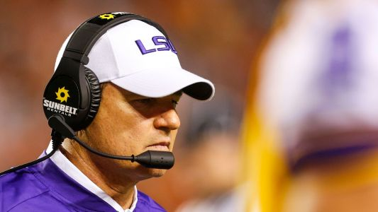 Reports: Former LSU coach Les Miles to take over at Kansas
