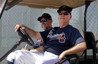 Braves extend contracts of manager Snitker, GM Anthopoulos