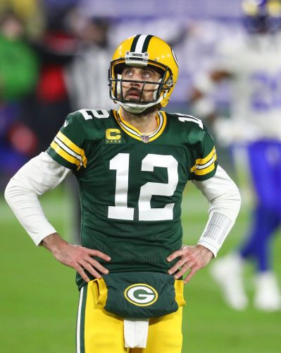'Offended' Aaron Rodgers sends not-so-subtle jabs to Green Bay Packers amid rift