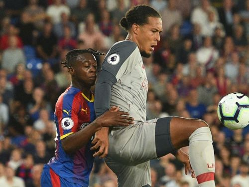 Carragher: Van Dijk can become Liverpool legend