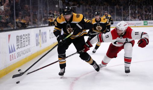 Bruins' Backes must face Blues buddies for Stanley Cup