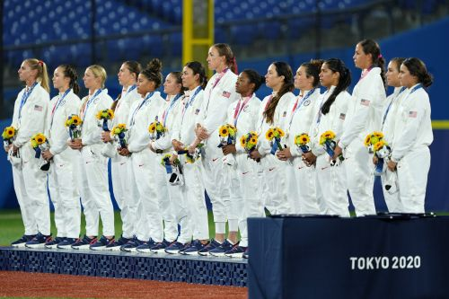 Opinion: Women's mainstays of US Olympic effort have four hours to forget in Tokyo