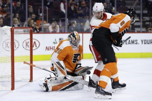 Carter Hart shines in debut with Philadelphia Flyers