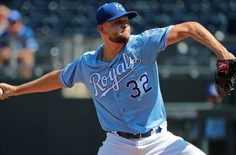 Royals sign Jesse Hahn to one-year deal