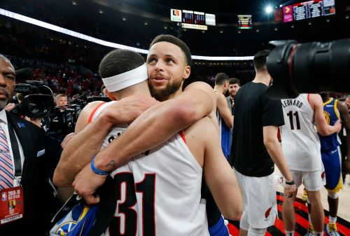 Steph and Seth Curry shared a special moment after the Western Conference finals